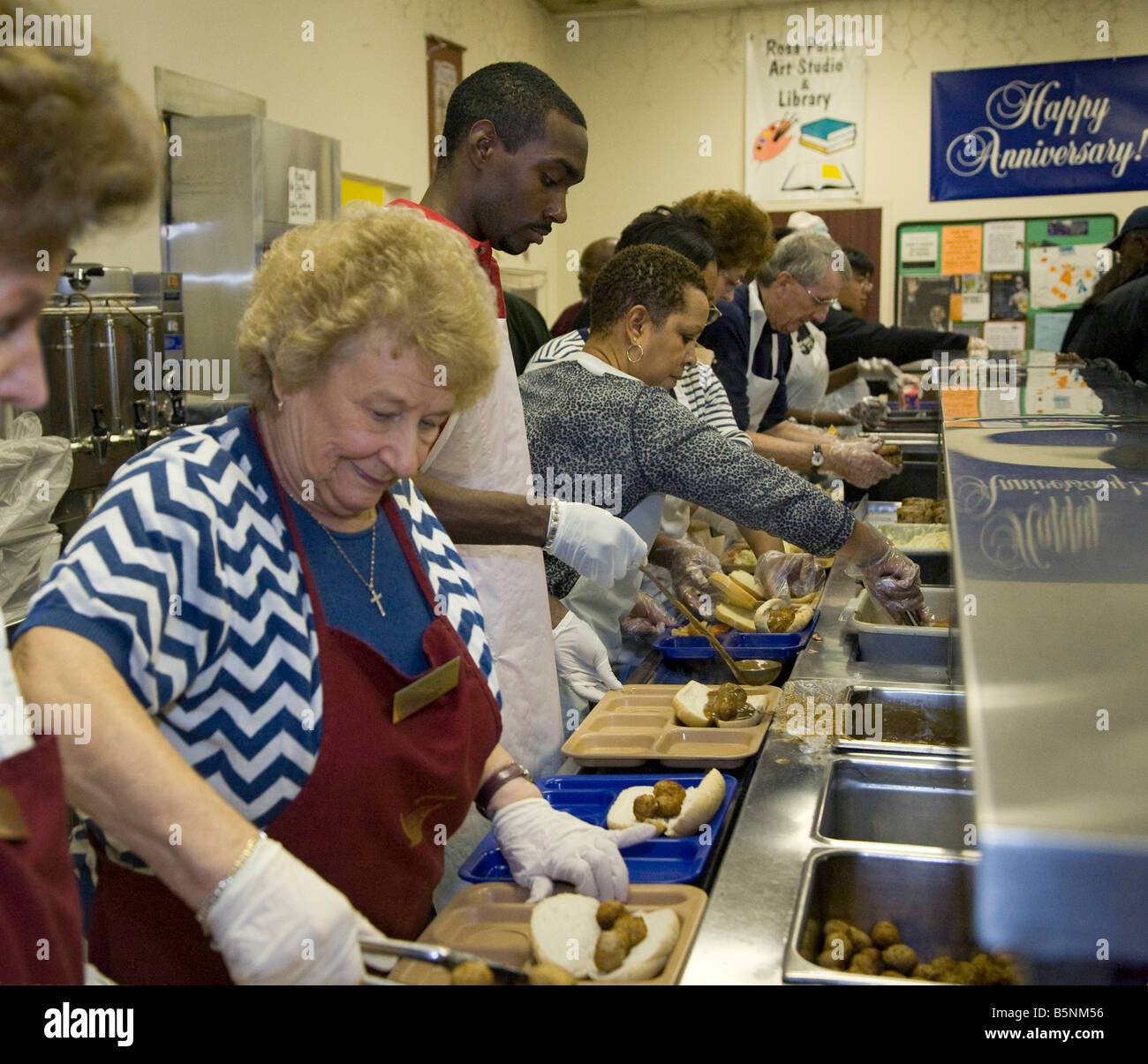 Soup Kitchen Volunteer Stock Photos & Soup Kitchen