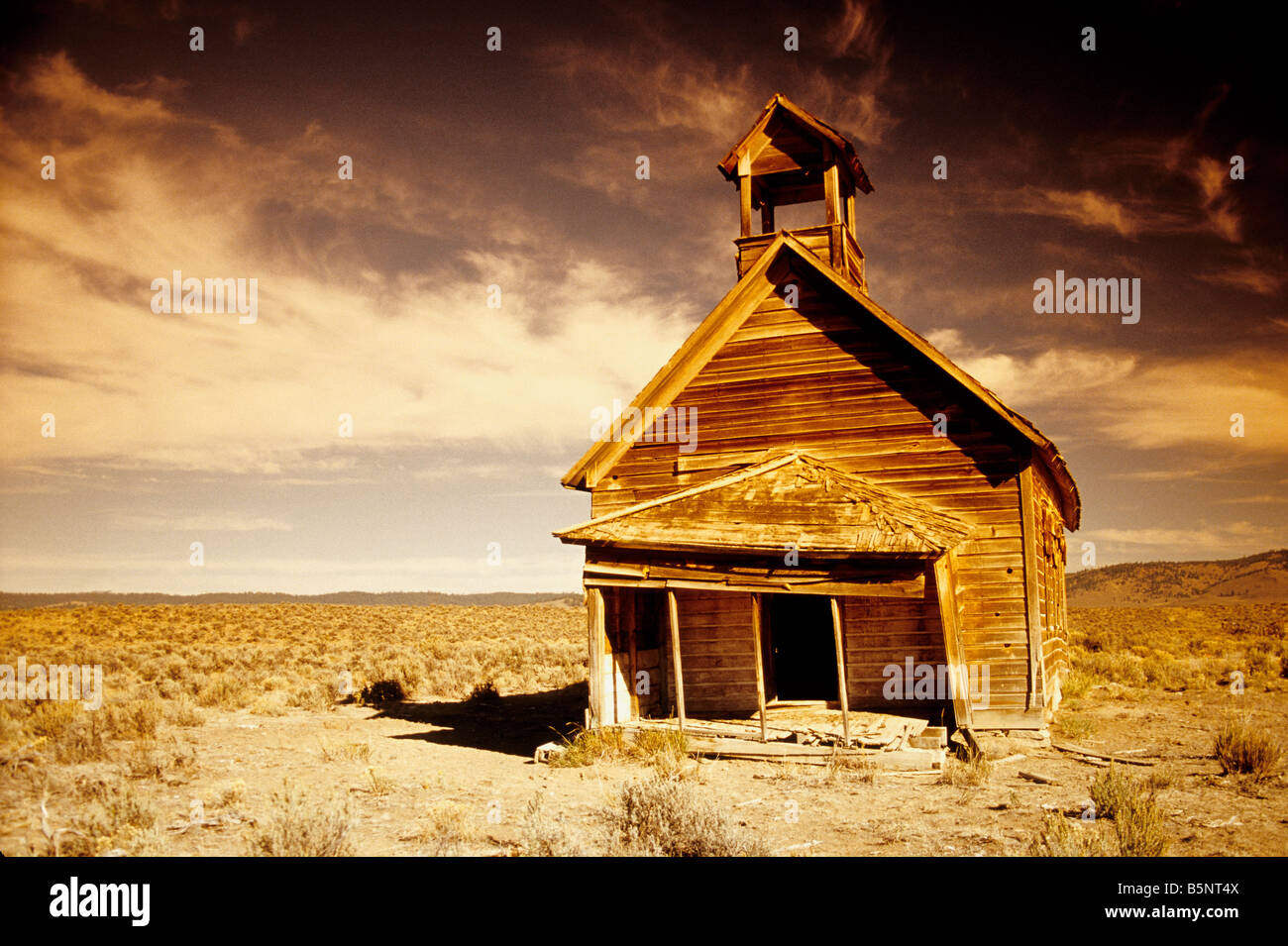 Old Schoolhouse on the prairie. - Stock Image