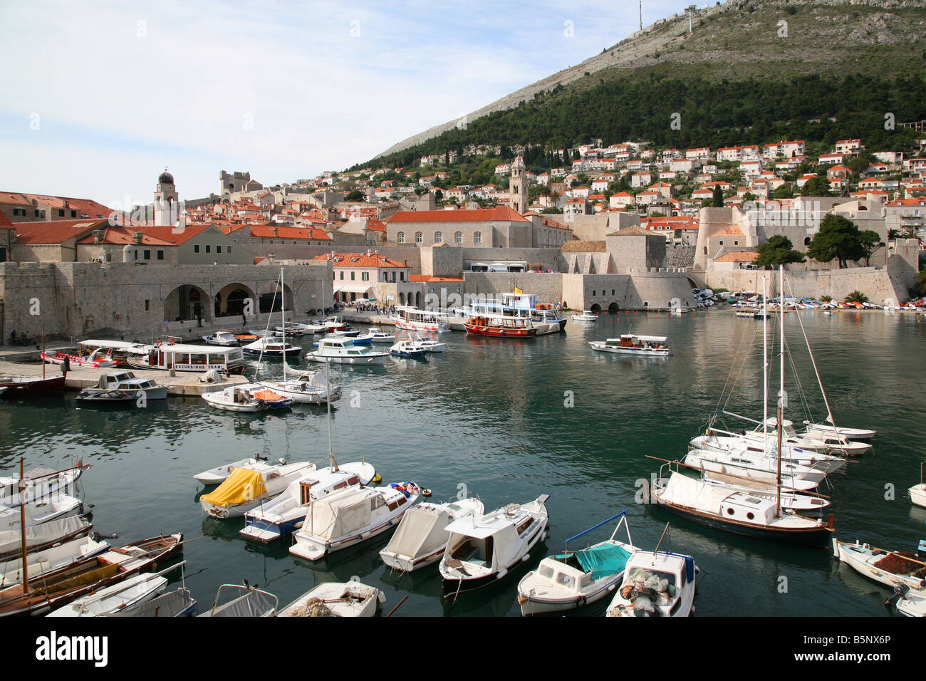 DUBROVNIC HARBOUR IN CROATIA EASTERN EUROPE Stock Photo
