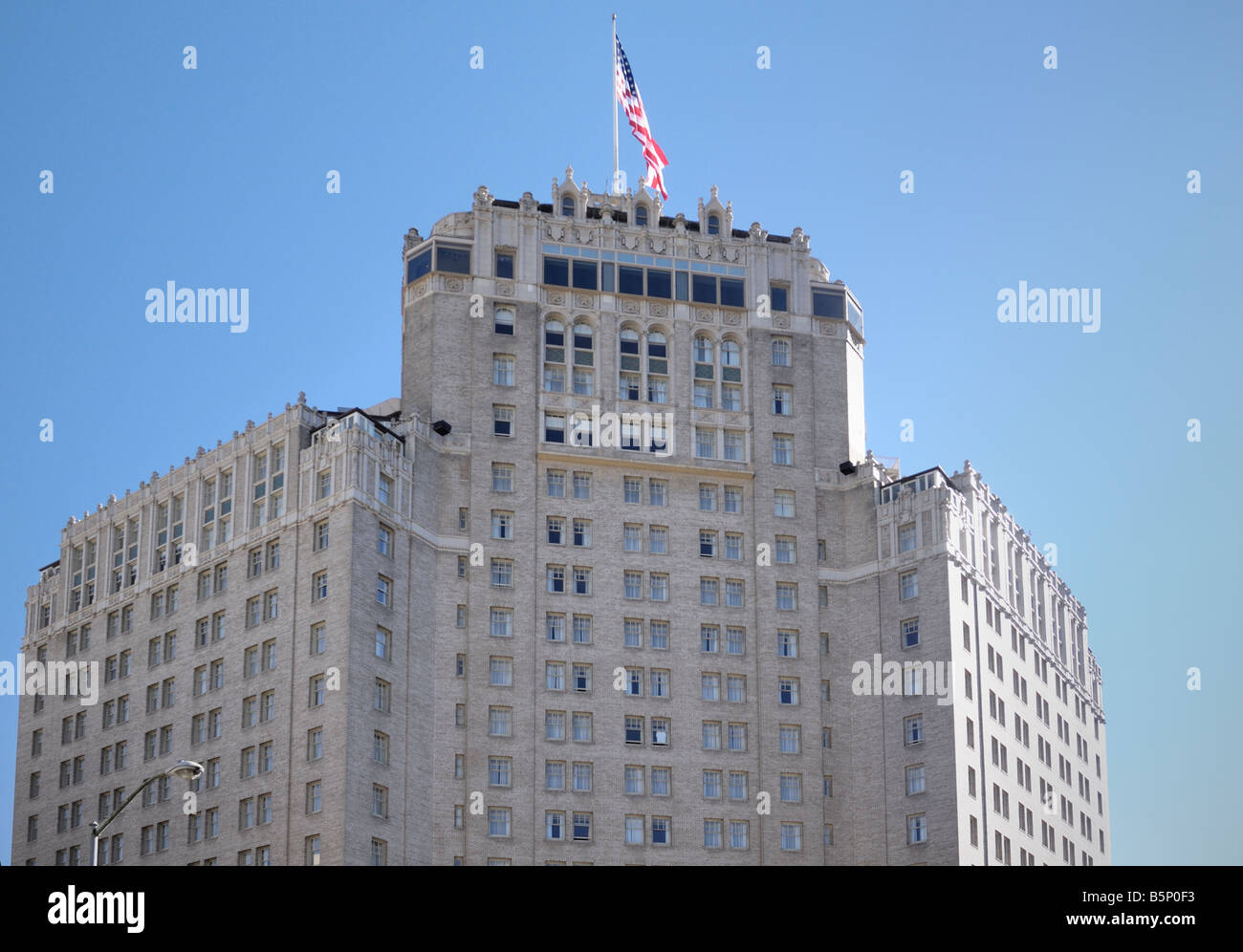 The 'Top of the Mark', famouse gathering place during WWII, the Mark Hopkins Hotel in San Francisco California - Stock Image