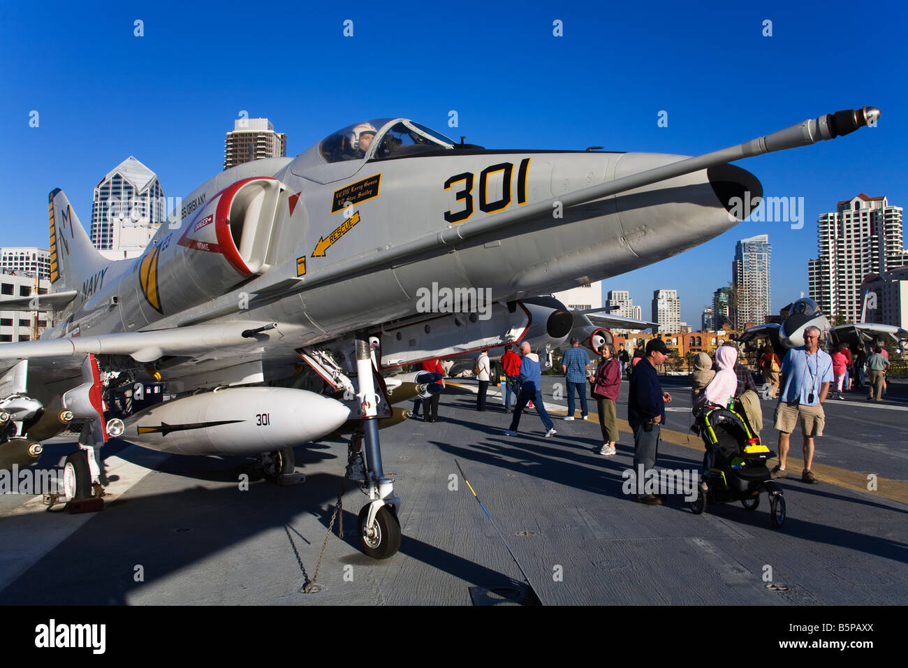 Midway Aircraft Carrier Stock Photos Midway Aircraft Carrier Stock Images Alamy