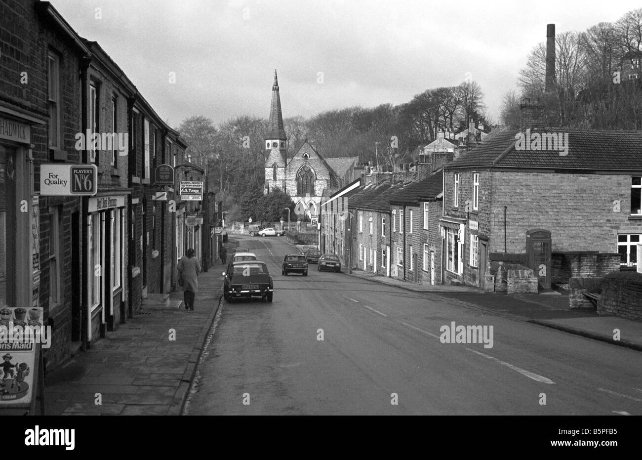 UK Cheshire Bollington Palmerston Street in 1970s seventies 70s K6 phone box in Pool Bank black and white - Stock Image