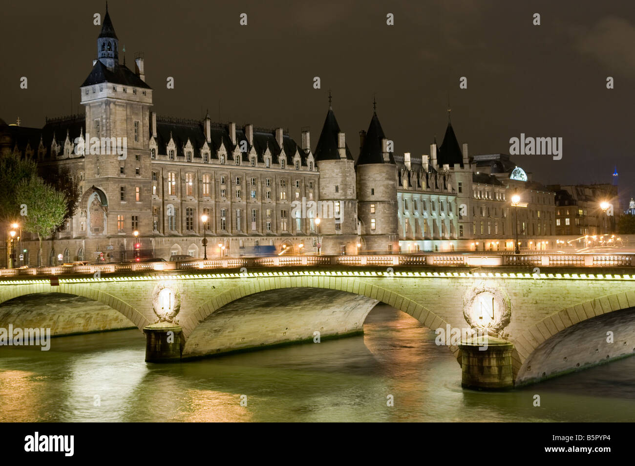 Pont Neuf and France Institute at night, Paris France. - Stock Image