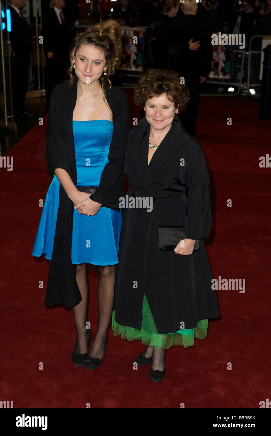 Pic Shows Imelda Staunton attending The Royal Premier of A bunch of amateurs Odeon Trafalgar Square - Stock Image