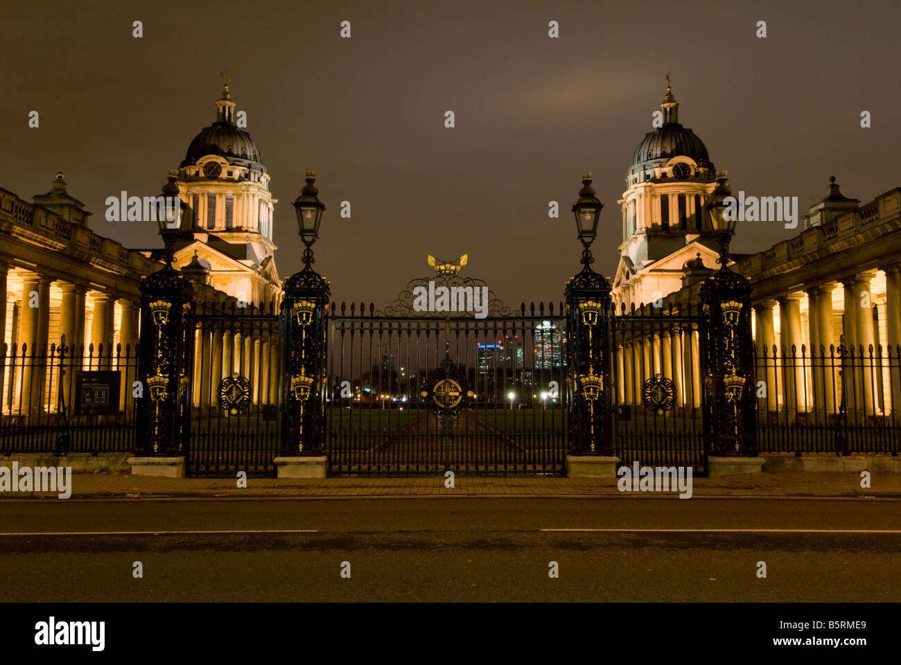 Greenwich University & The Trinity School of Music, Greenwich (Formerly Royal Naval College) at night - Stock Image