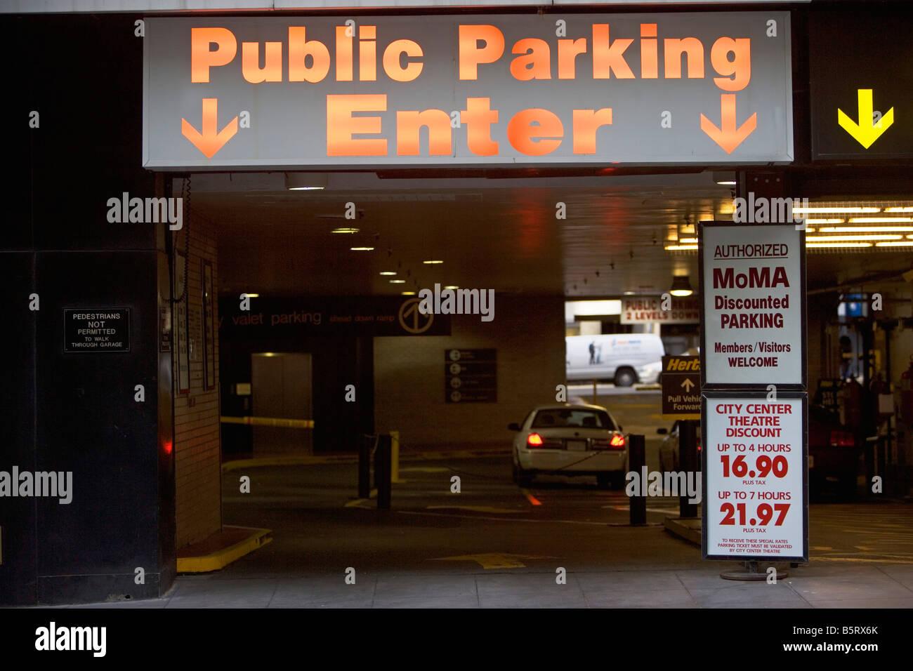 CARS, GARAGE, LOT, LEVELS, EXPENSIVE, SAFE, SECURE, PARKING GARAGE - Stock Image