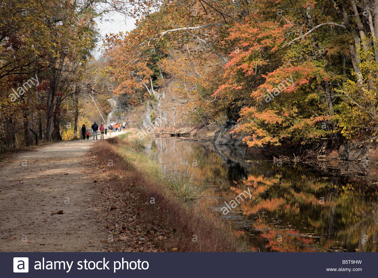 Hikers on the C&O Canal towpath near Lock 16 in Maryland. - Stock Image