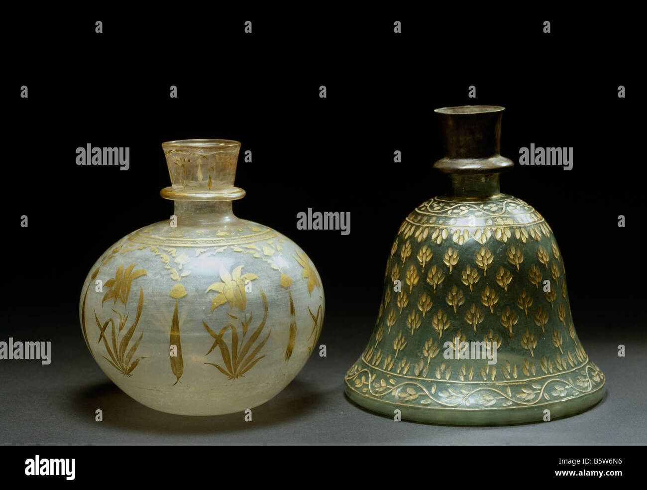 Glass hookah bowls decorated with gold work. Mughal. 18th century. National Museum of New Delhi India 60.1571. 17 - Stock Image