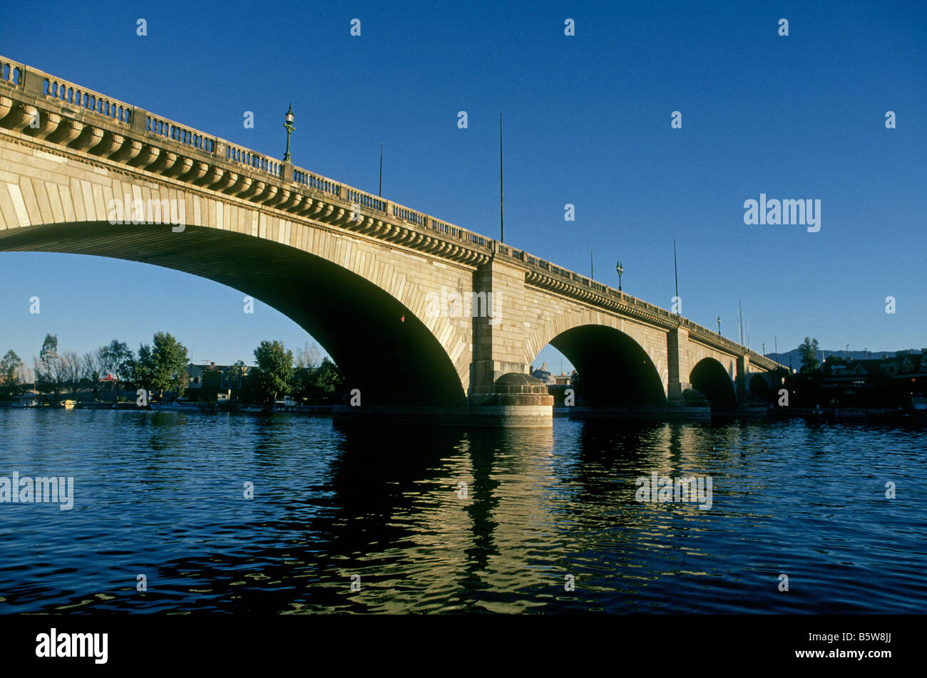A View Of The Original London Bridge Which Is Now Erected Over An Arm Stock Photo Alamy
