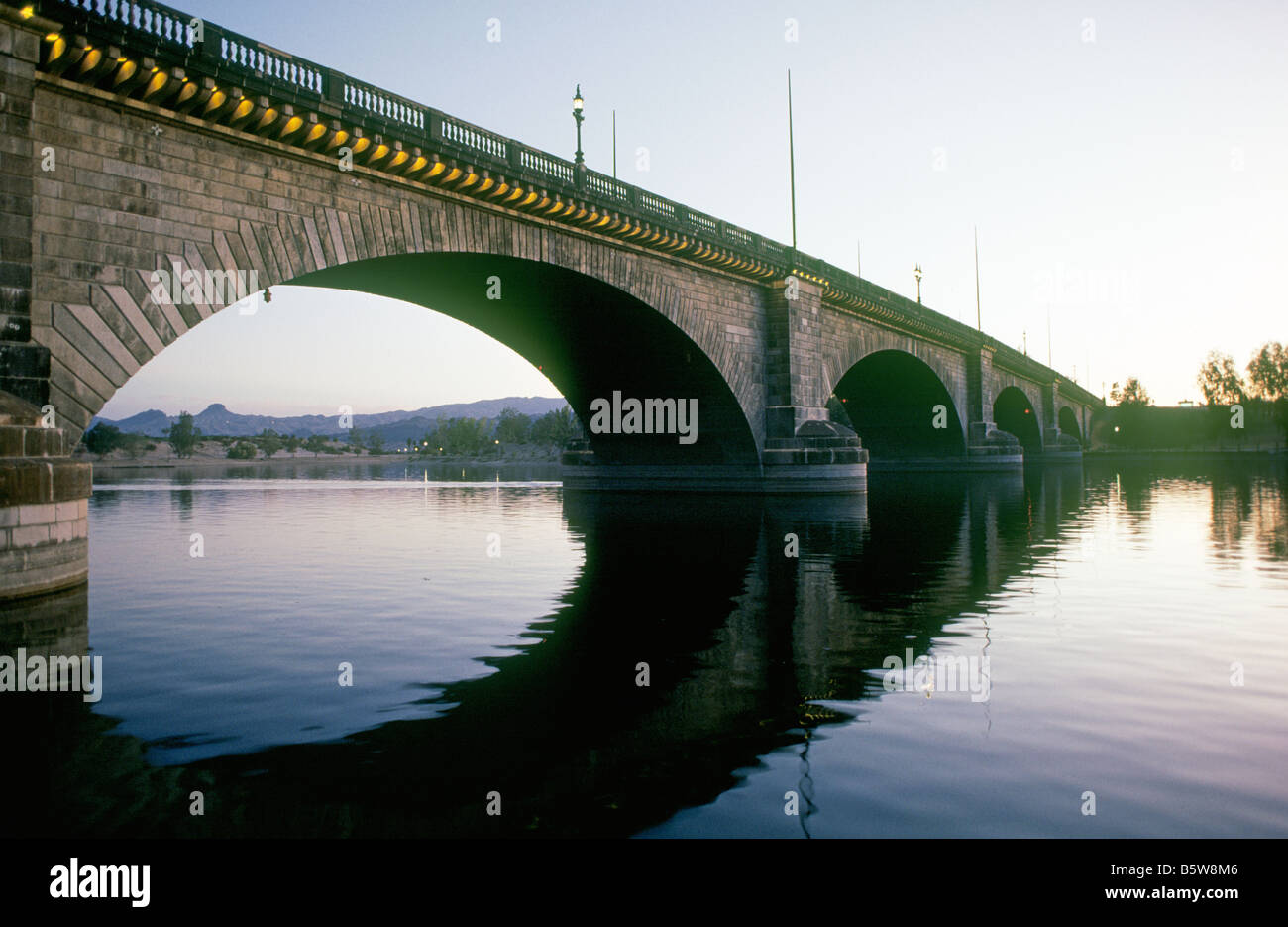 A View Of The Original London Bridge Now Spanning An Arm Of Lake Stock Photo Alamy