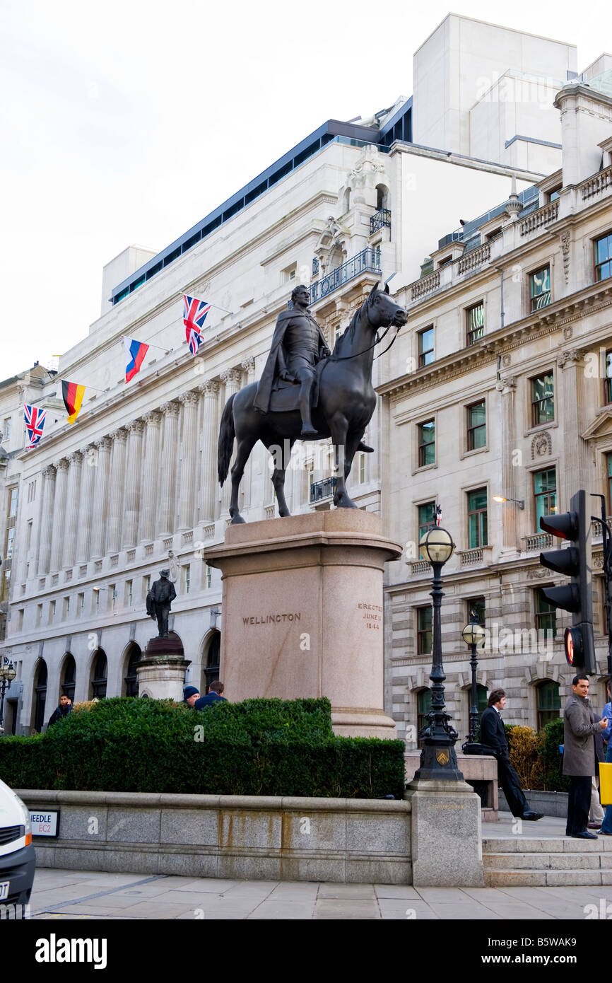 The City of London , landmark statue The Duke of Wellington erected in 1844 as part of the reconstruction of The - Stock Image