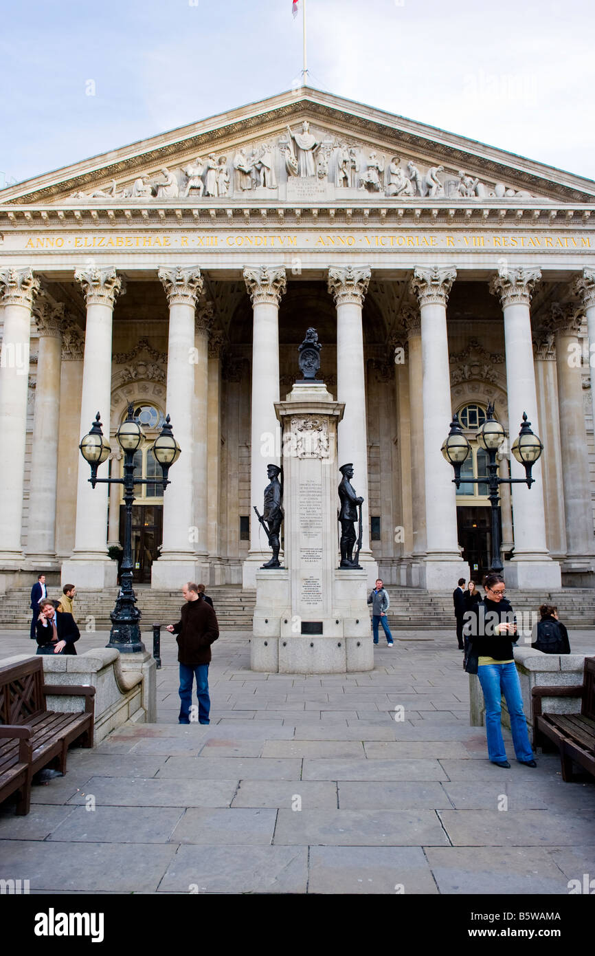 The Royal Exchange founded in 1565 by Sir Thomas Gresham, rebuilt 1844 . Memorial to soldiers of the City who died - Stock Image