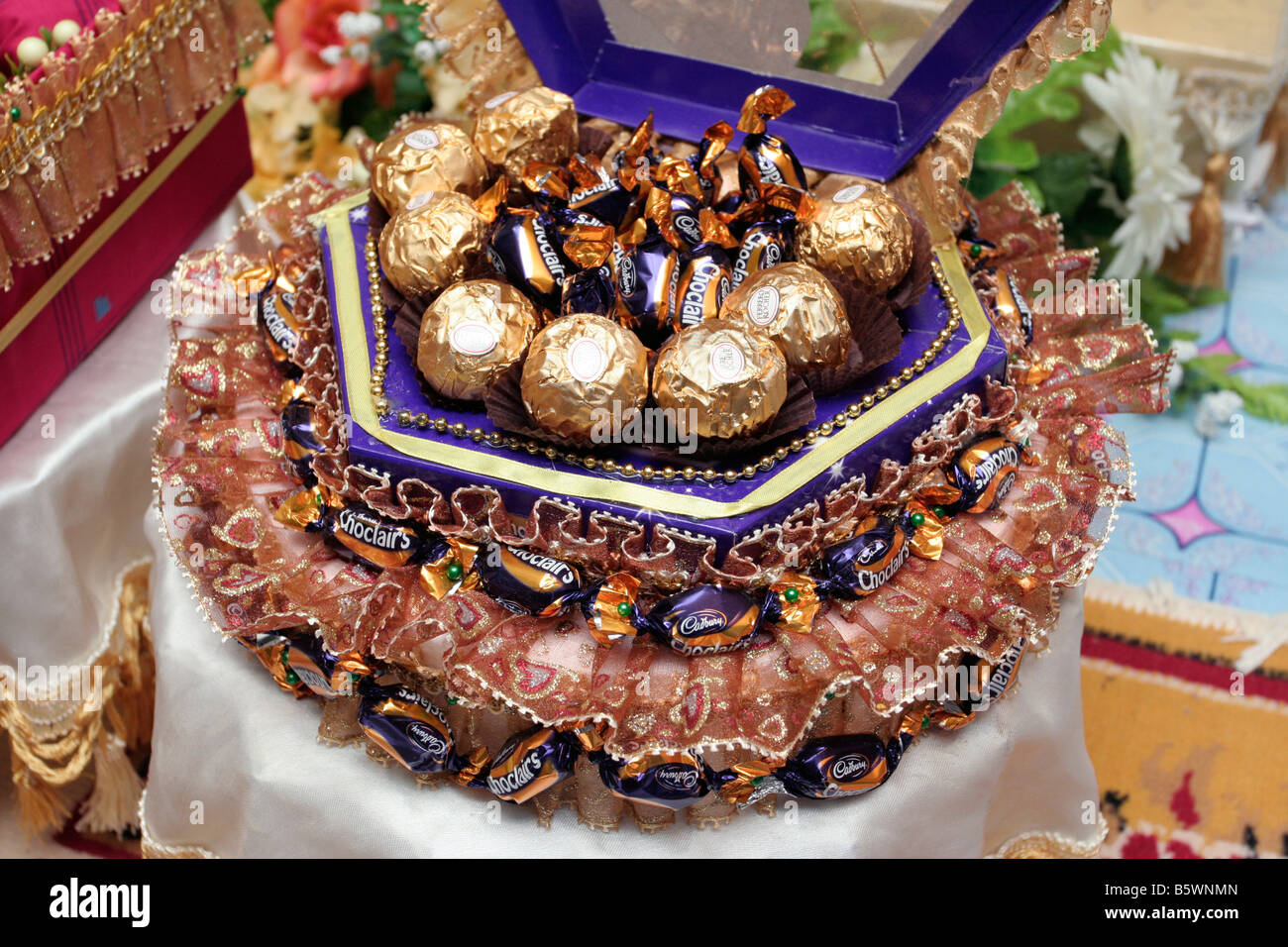 Malay Wedding Gifts: Traditional Malay Wedding Stock Photos & Traditional Malay