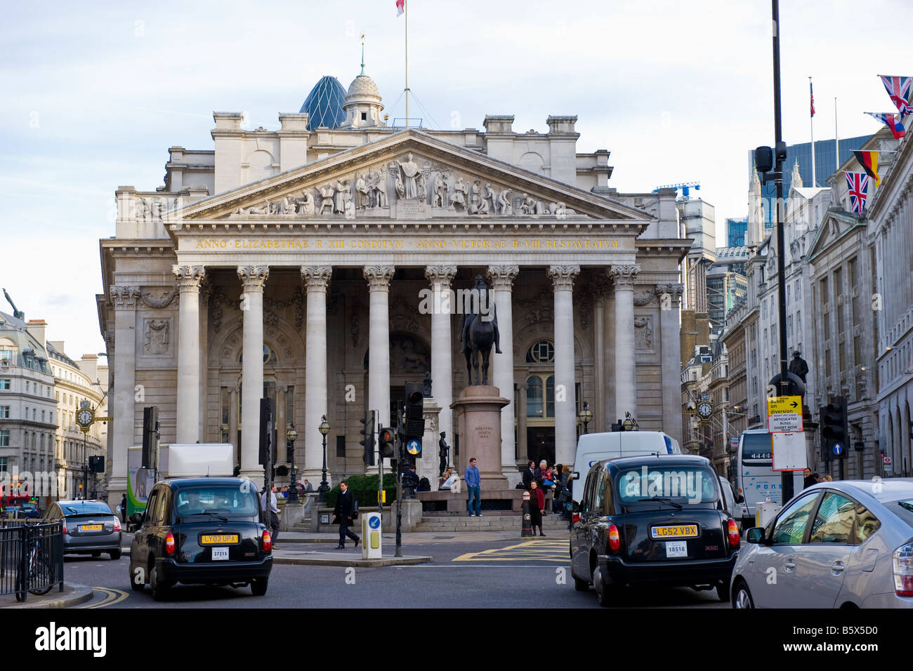 The City of London , The Royal Exchange founded in 1565 by Sir Thomas Gresham , rebuilt 1844 , with taxis & - Stock Image