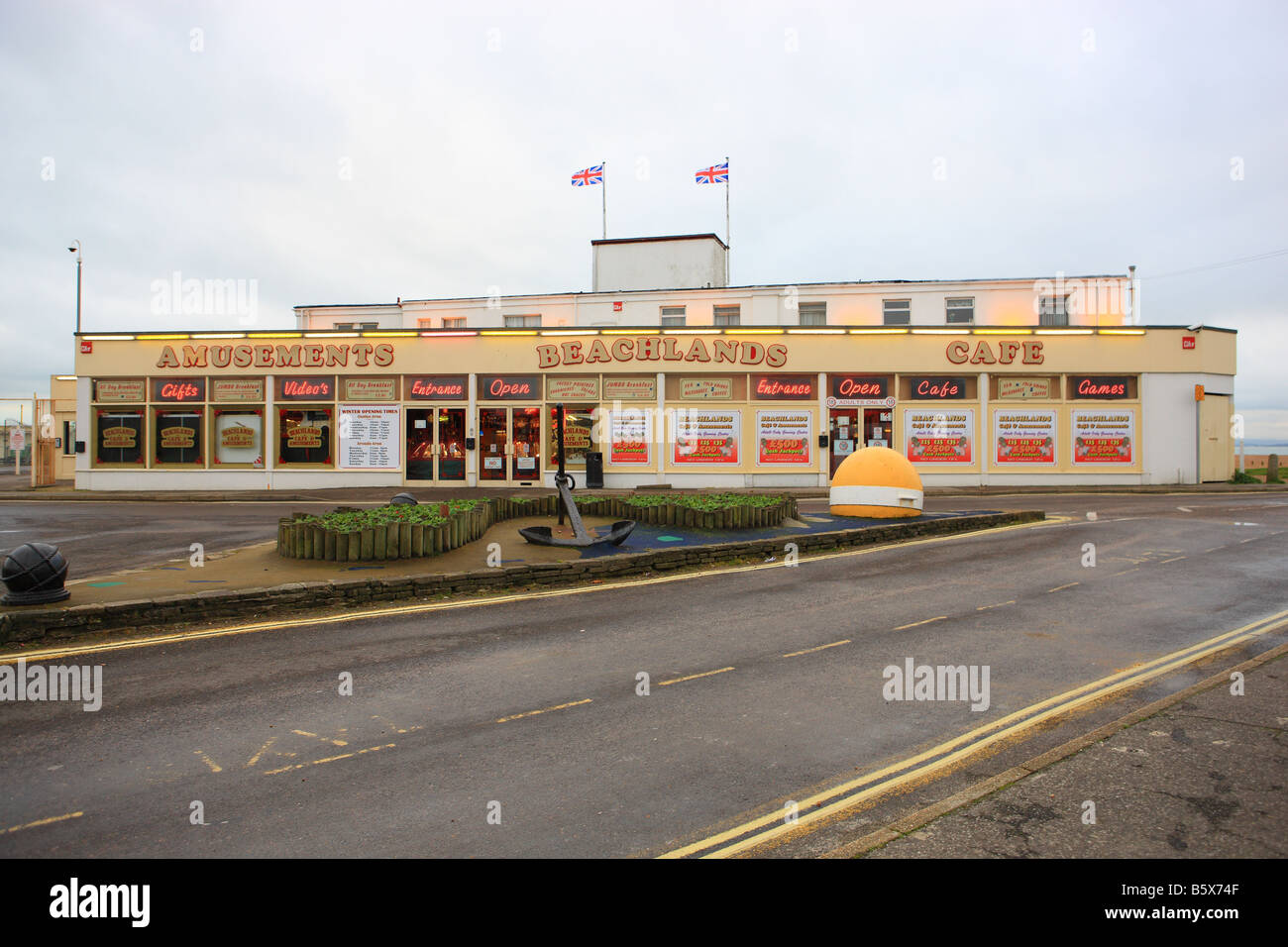 Beachlands Amusement Arcade and Cafe on Hayling Island - Stock Image