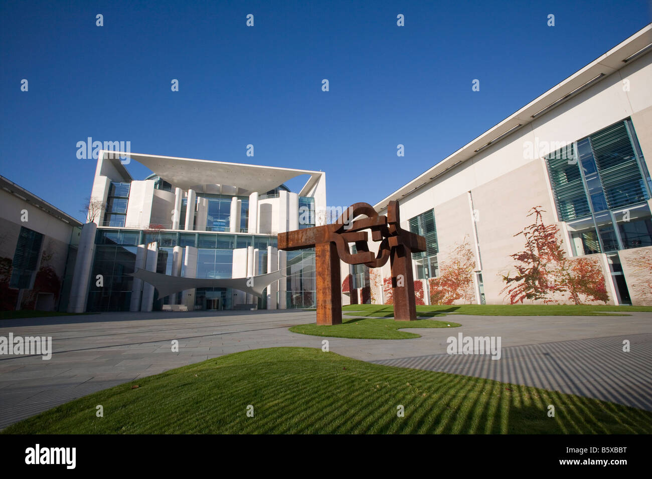 Federal Chancellery with the sculpture Berlin - Stock Image