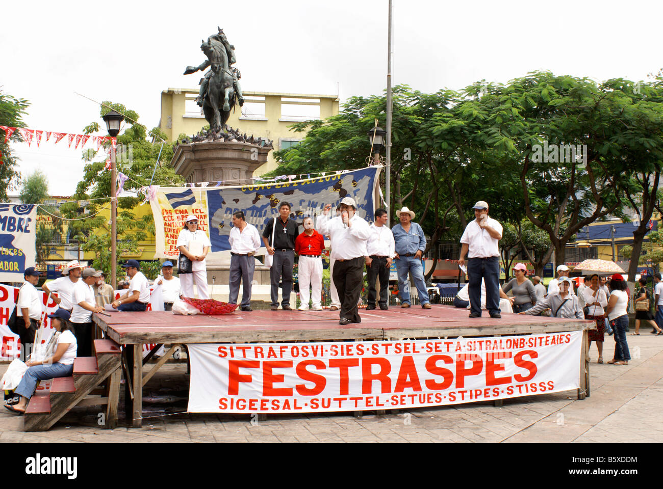 Trade union protest in Plaza Barrios in downtown San Salvador, El Salvador - Stock Image