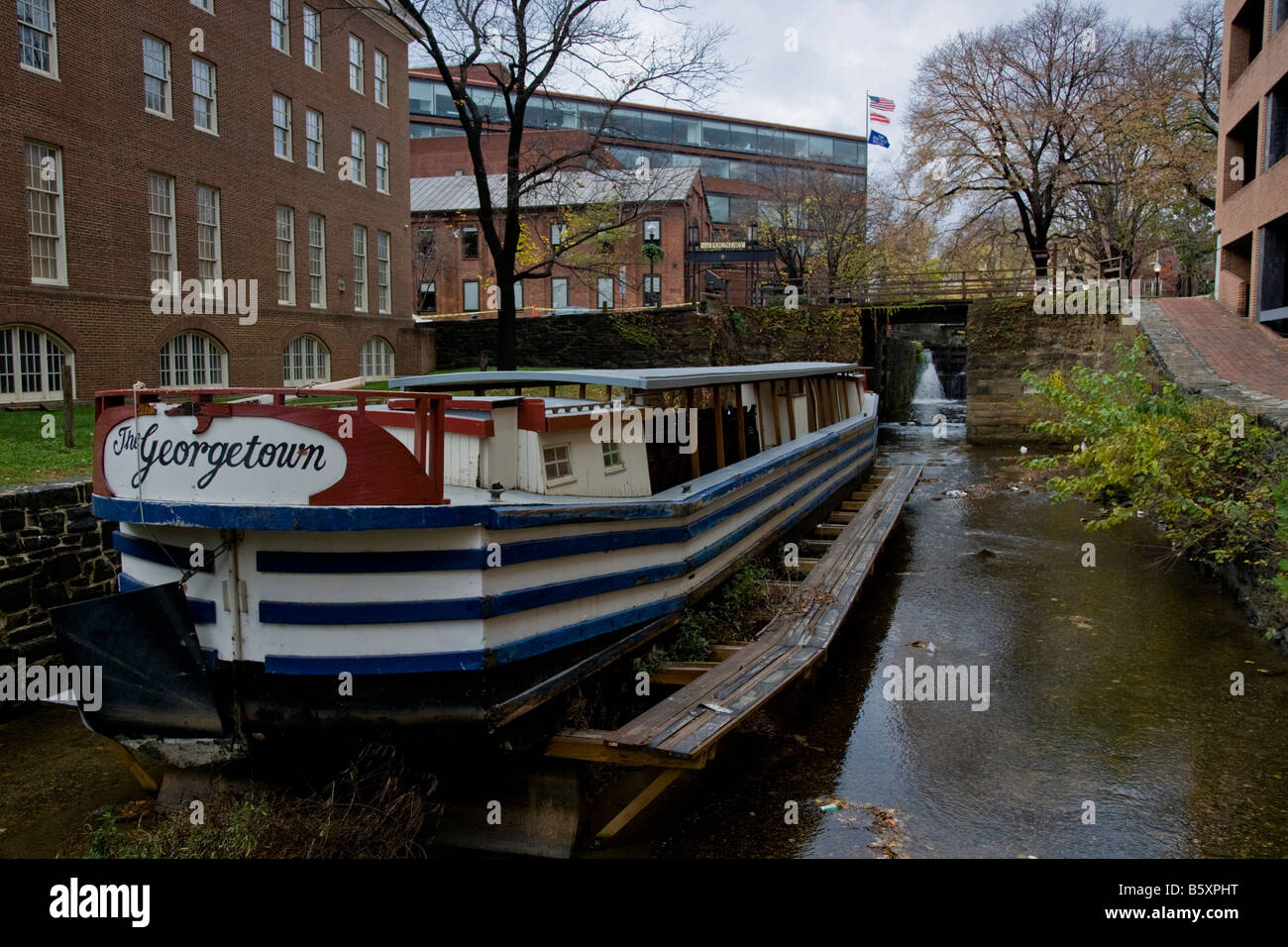 Georgetown barge in the Georgetown towpath - Stock Image
