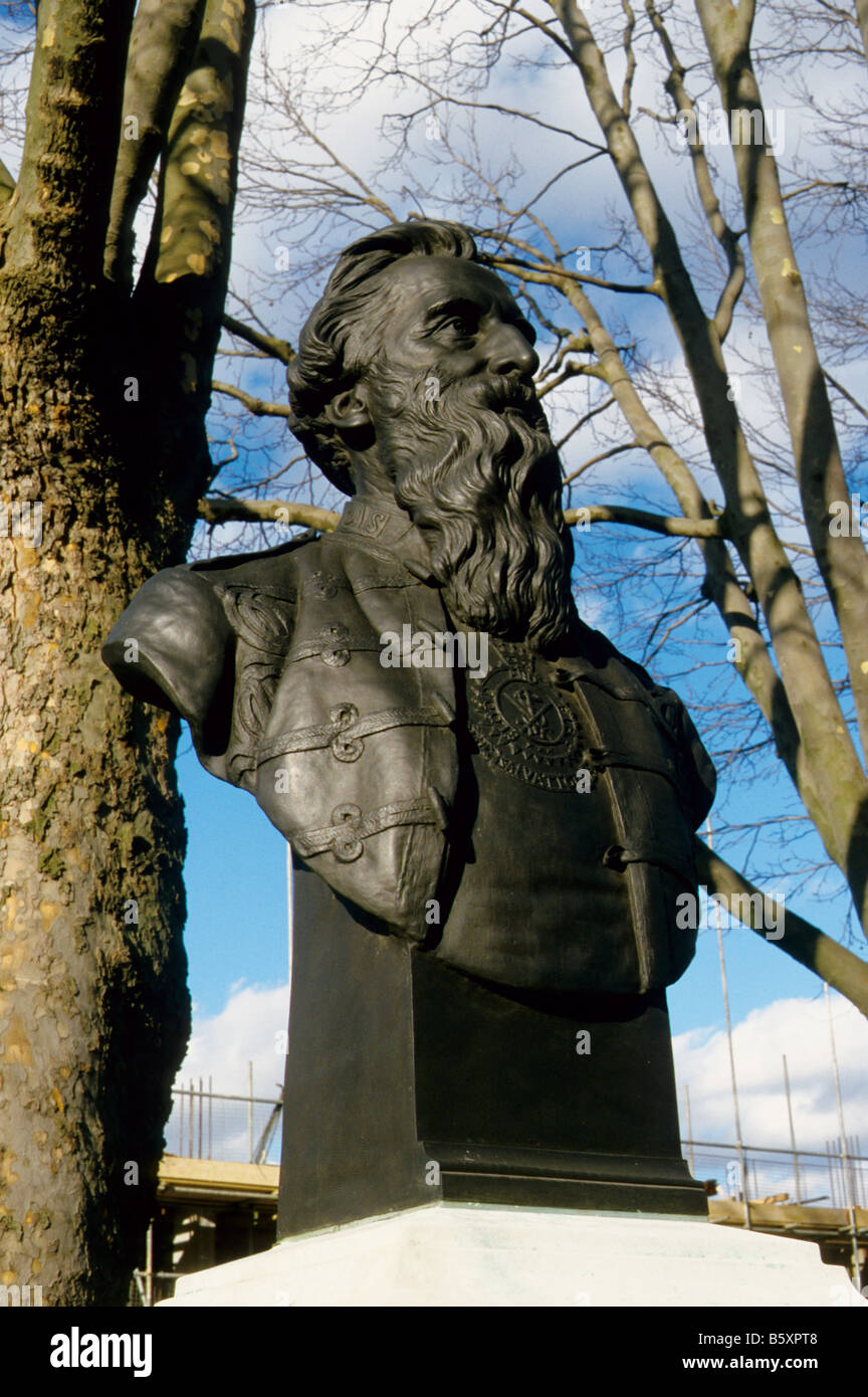 Bust of General William Booth, founder of the Salvation Army, Mile End Road, London E1 Stock Photo