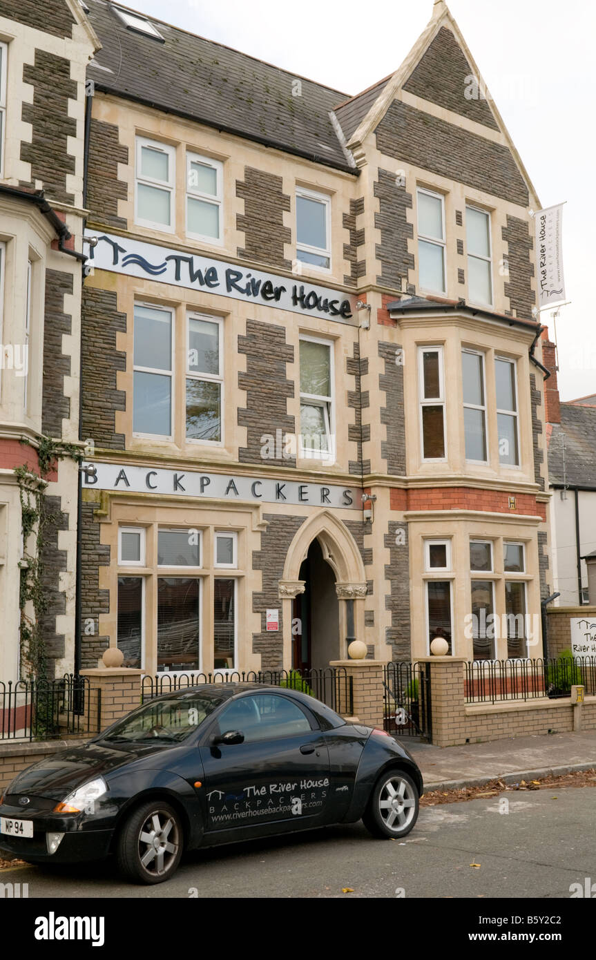 The River House backpackers discount cheap affordable hotel hostel Cardiff city centre Wales UK - Stock Image