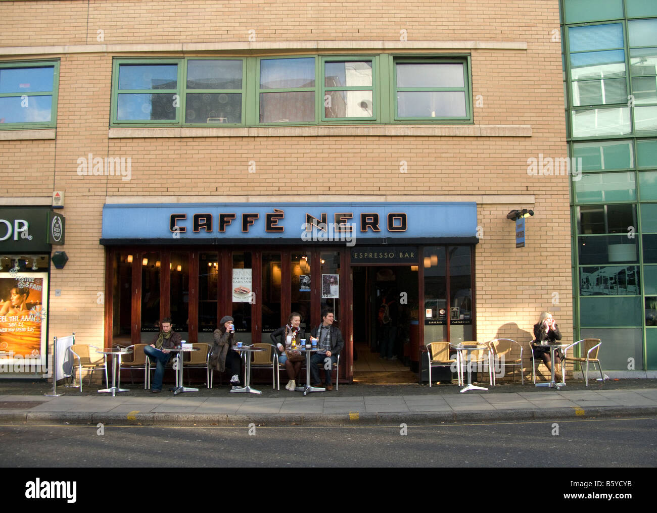 caffe-nero-camden-london-B5YCYB.jpg?profile=RESIZE_400x