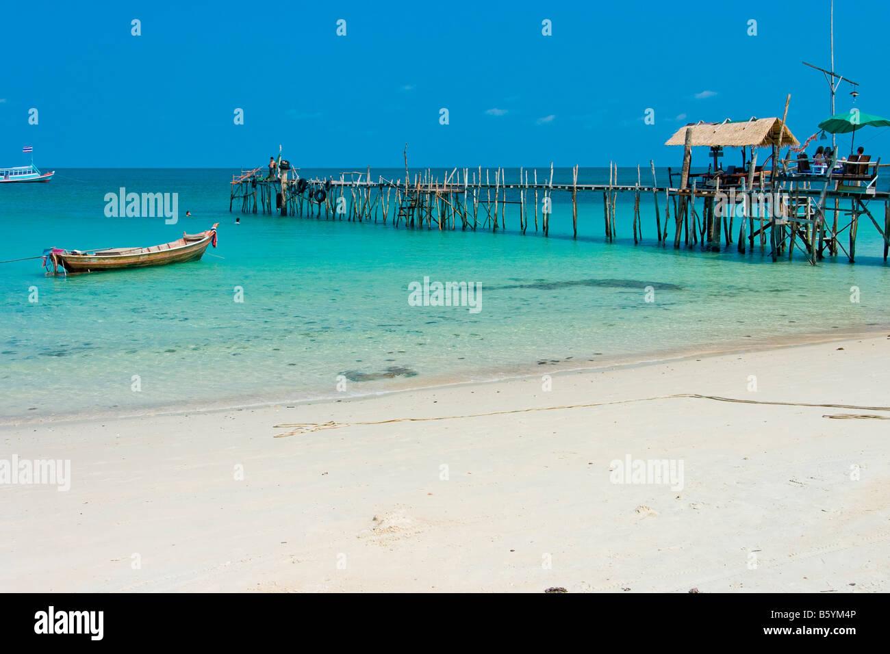 Koh Chang beach sand boat watterside - Stock Image