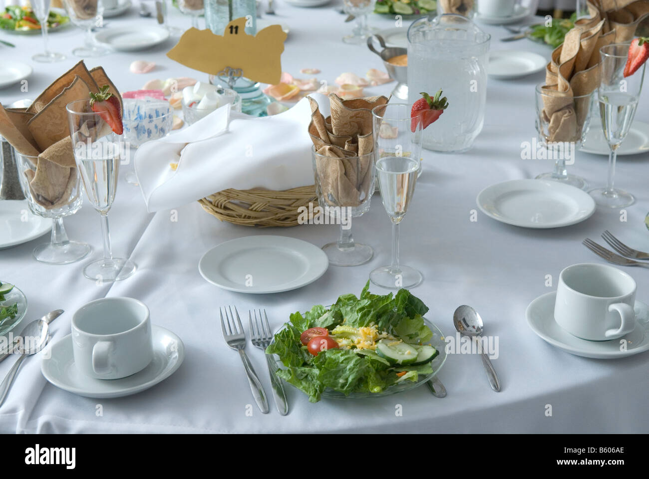 Formal table setting with a salad & Formal table setting with a salad Stock Photo: 20903302 - Alamy