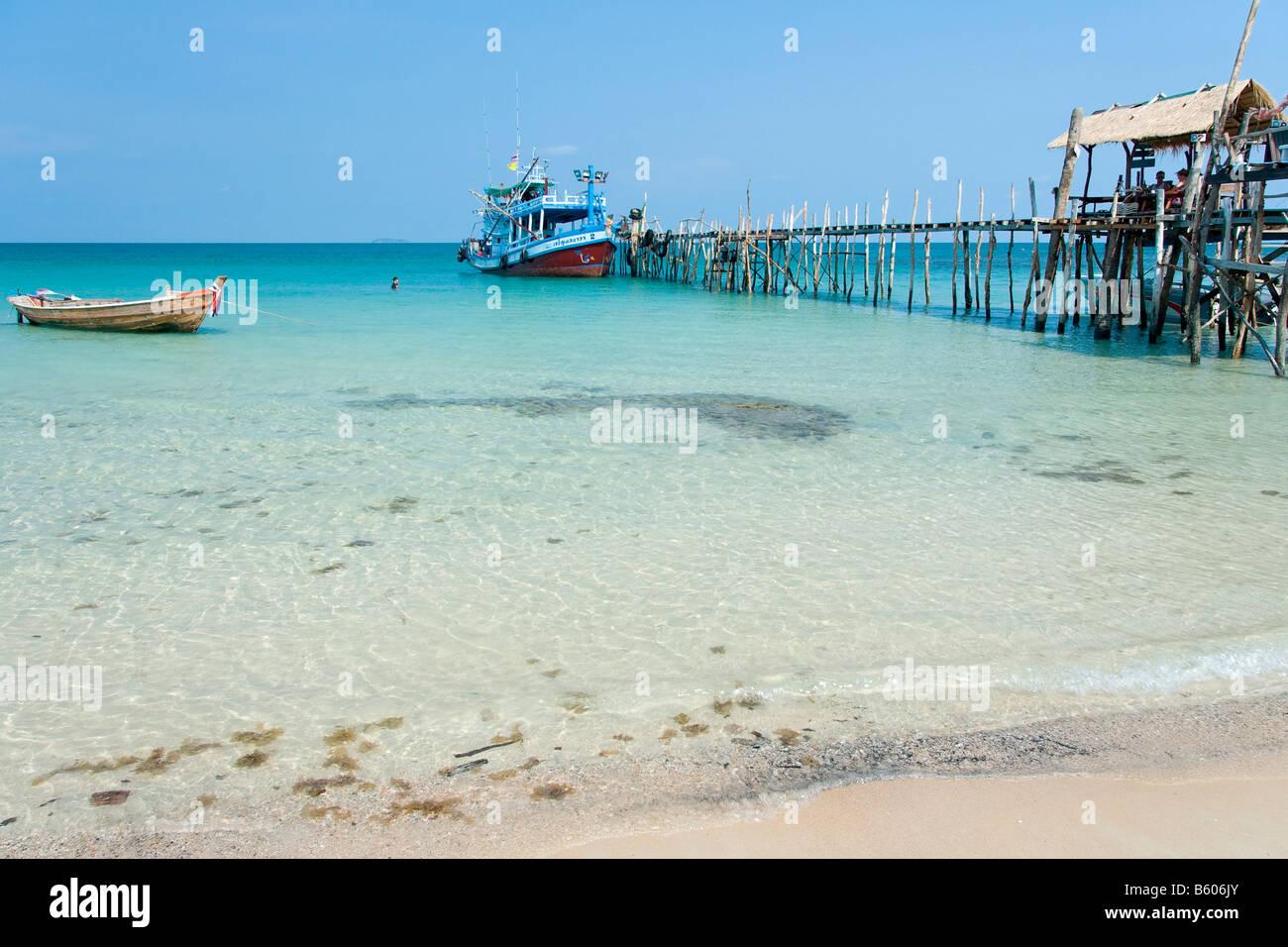 Koh Chang Thailand Asia harbour catwalk bridge - Stock Image