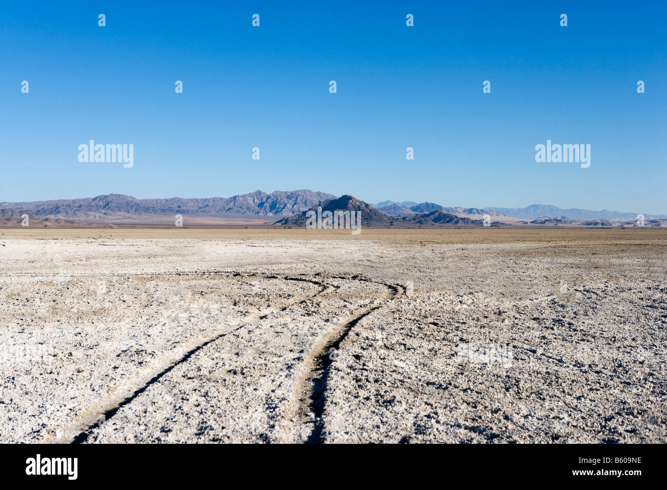 Landscape in the Mojave Desert on the Zzyzx Road just off Interstate 15 between LA and Las Vegas, California, USA - Stock Image