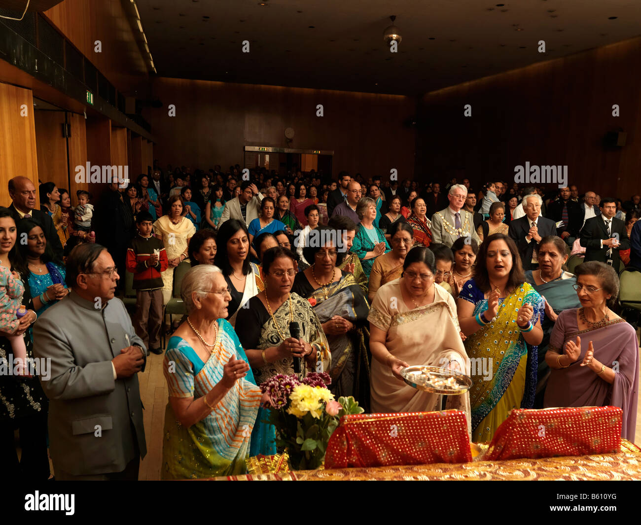 Arti and Audience at Diwali Celebrations Wandsworth Town Hall - Stock Image