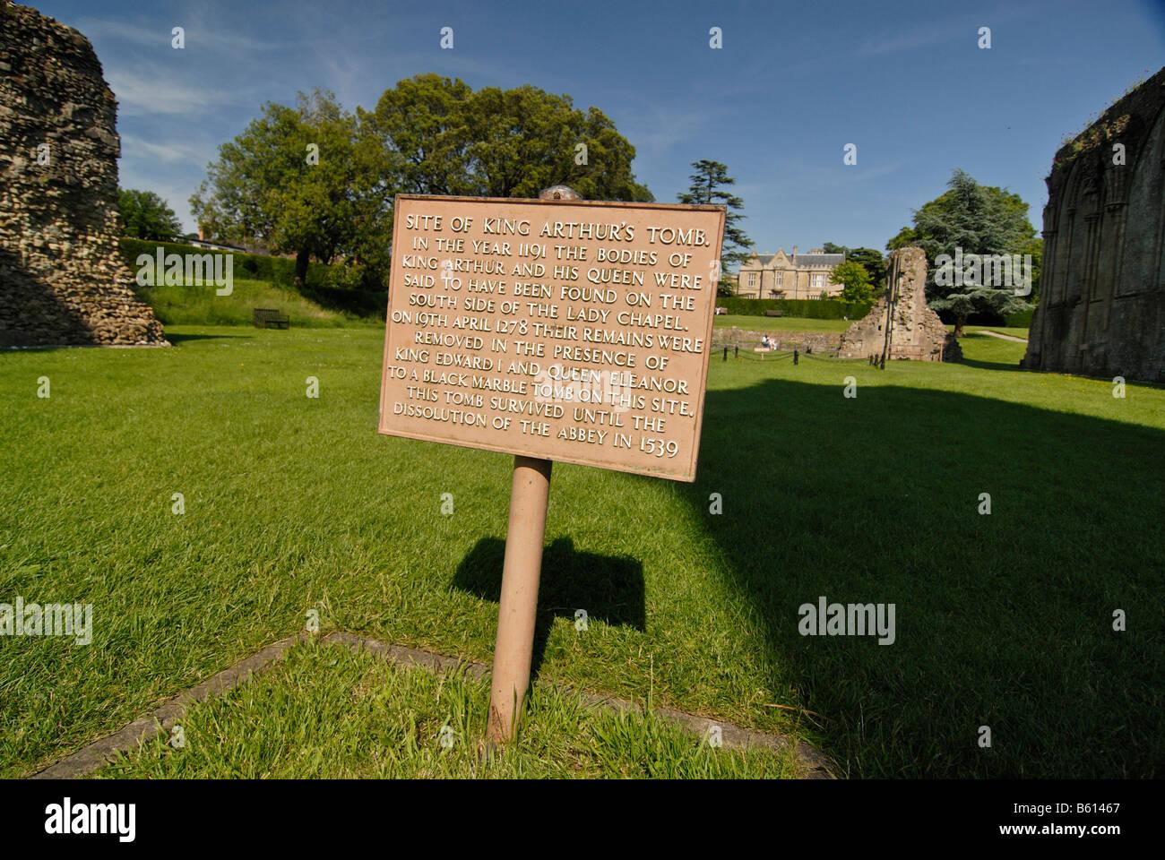 Sign for King Arthur's Tomb, Glastonbury Abbey, Ley lines, Legend of King Arthur, Glastonbury, Mendip, Somerset, - Stock Image