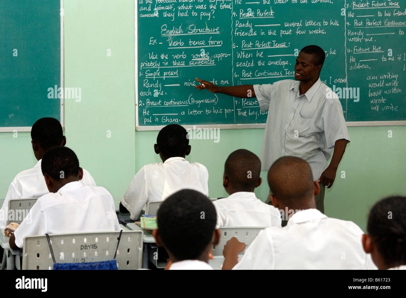 English lesson in the De Youngsters International School, Accra, Germany - Stock Image