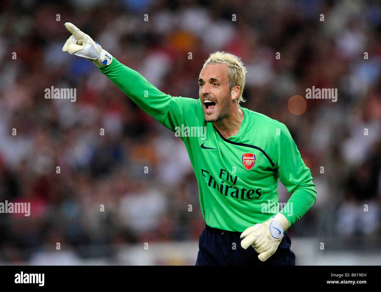 Goalkeeper Manual ALMUNIA, Arsenal FC London, directing the defence - Stock Image