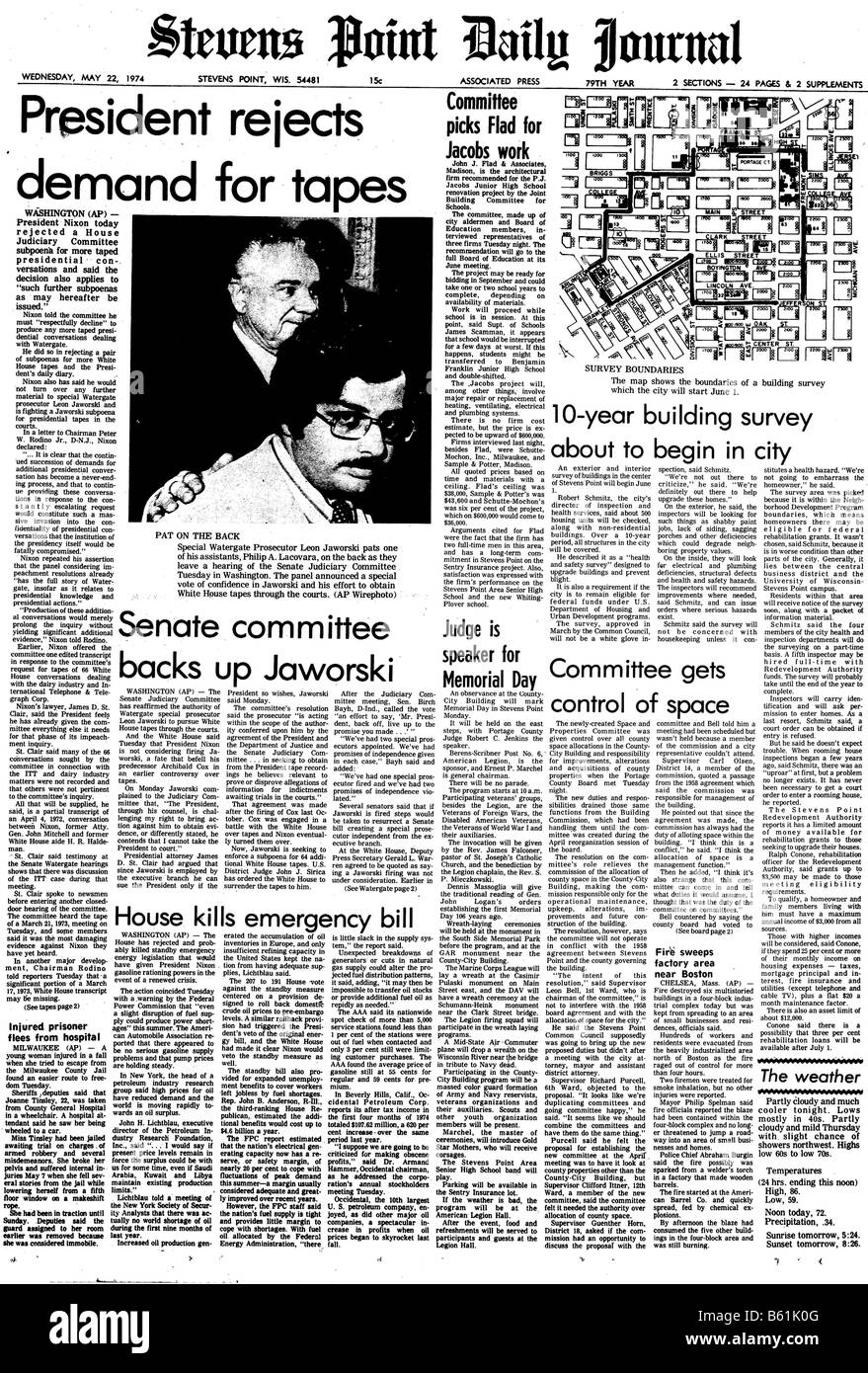 Front page of a 1974 US newspaper about the President Nixon and Watergate - Stock Image
