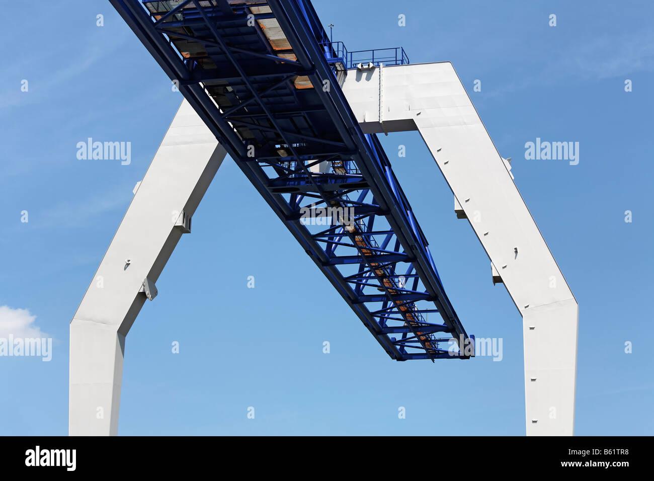 Bridge construction of a modern crane, Krefeld-Uerdingen, North Rhine-Westphalia, Germany, Europe - Stock Image