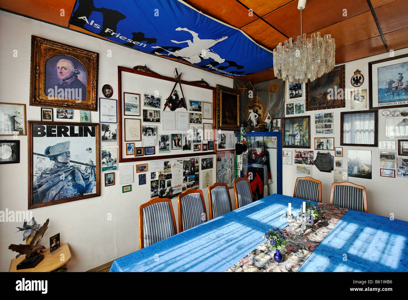 Club room in the pub Zum Alten Fritz, decorated with memorials to Friedrich II, King of Prussia, Letschin municipality, - Stock Image