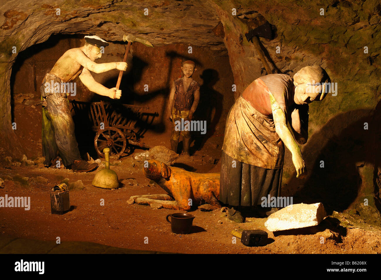 Figures in Walldorf sandstone and fairytale cave, Rhoen, Thuringia, Gerrmany, Europe - Stock Image