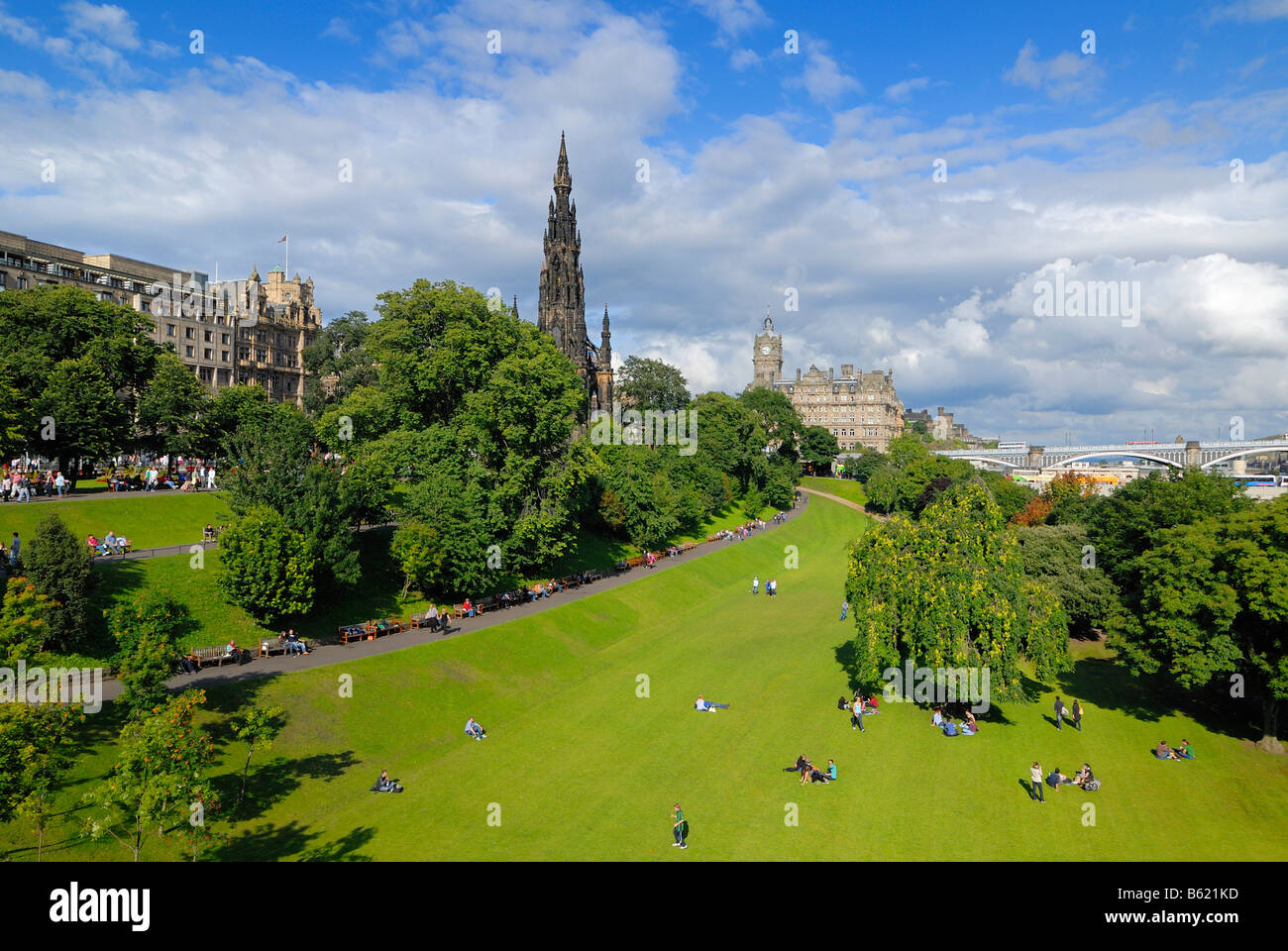 View of East Princes Street Gardens, Edinburgh, Scotland, Great Britain, Europe - Stock Image