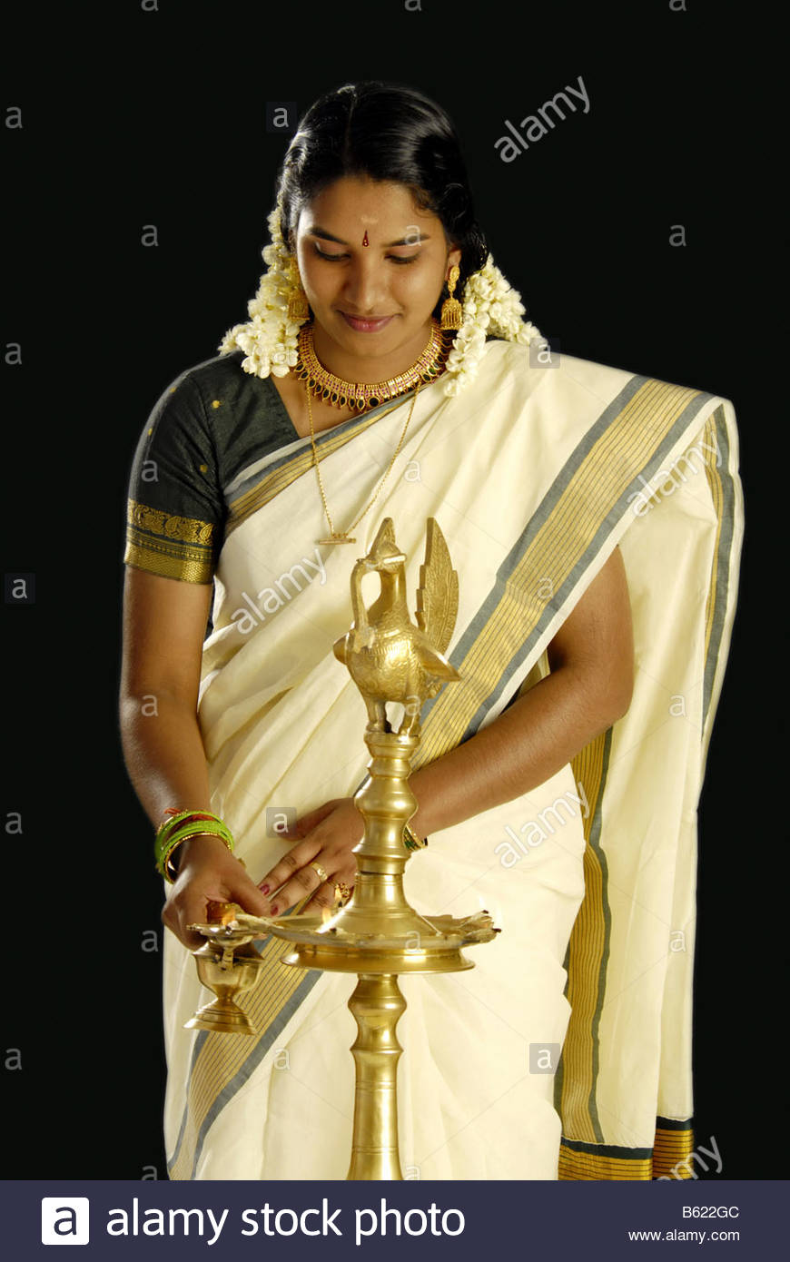 ff640390e4 A MODEL FROM KERALA IN TRADITIONAL ATTIRE DURING ONAM - Stock Image