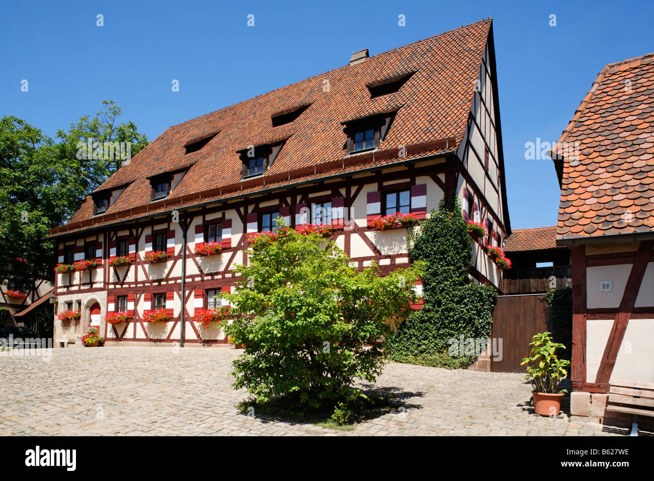 Nuremberg Castle or Kaiserburg, fore-court, half-timbered houses, fortress administration, Nuremberg, Middle Franconia, - Stock Image