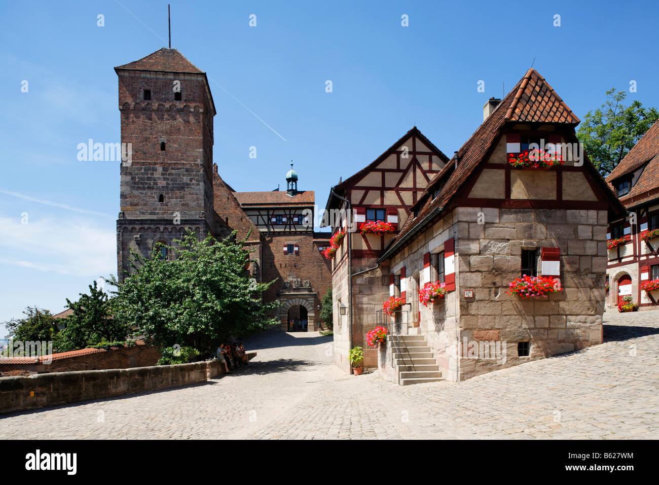 Nuremberg Castle or Kaiserburg, half-timbered houses, Heidenturm, Nuremberg, Middle Franconia, Bavaria, Germany, - Stock Image