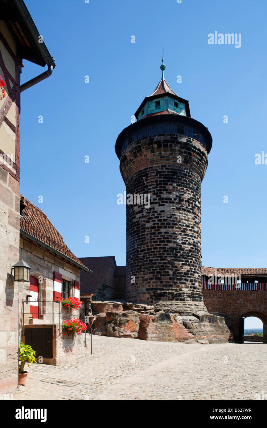 Nuremberg Castle or Kaiserburg, fore-court, half-timbered houses, Sinnwellturm Tower, historic city centre, Nuremberg, - Stock Image