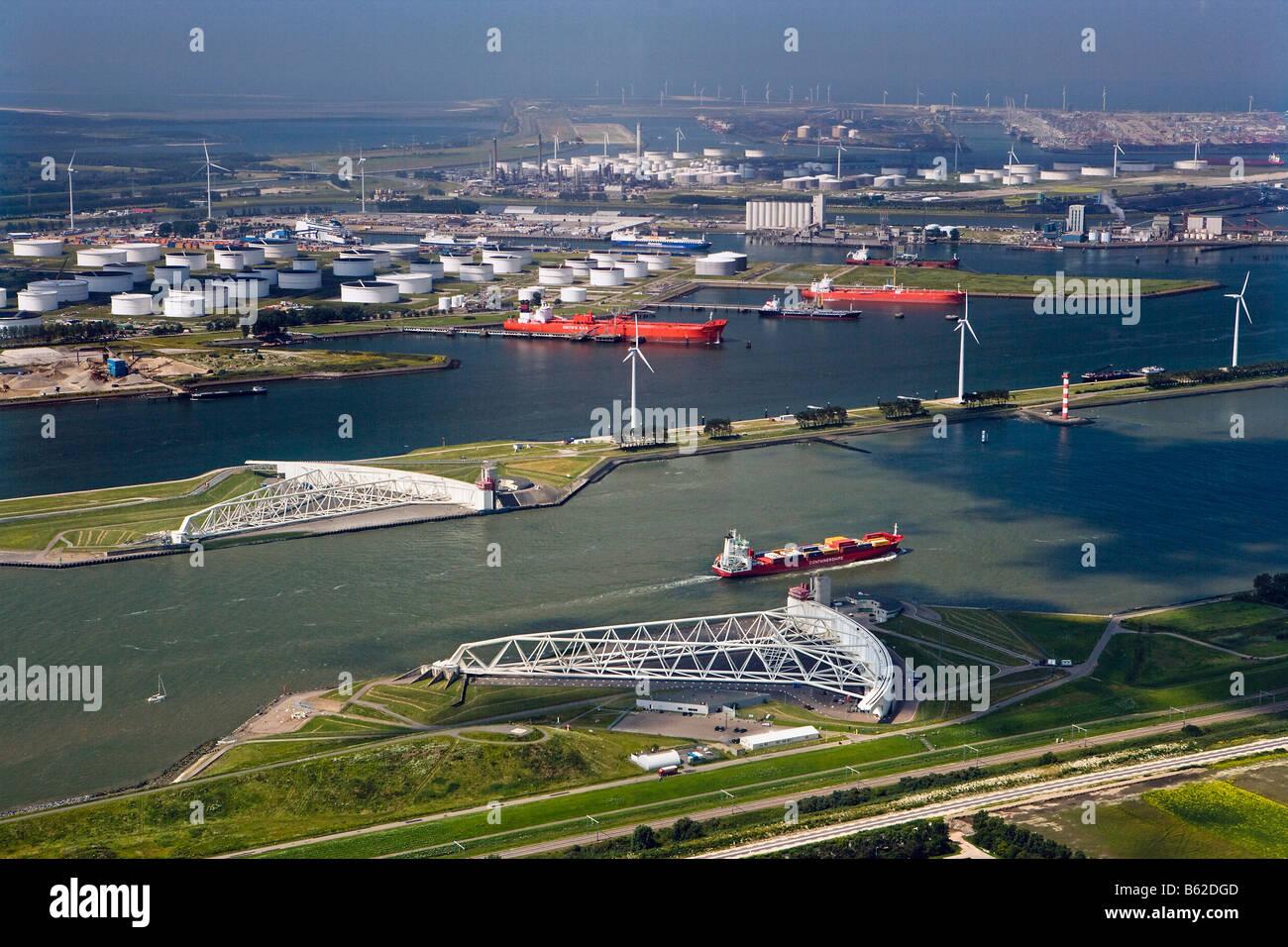 Netherlands, Rotterdam, Closed Storm Surge Barrier called Maeslant Barrier or Maeslantkering. Part of the Delta - Stock Image