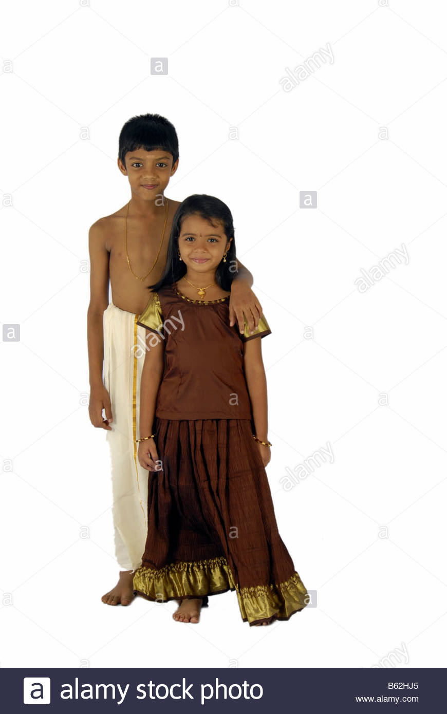 548262ee38 CHILD MODELS FROM KERALA IN TRADITIONAL ATTIRE DURING ONAM Stock ...