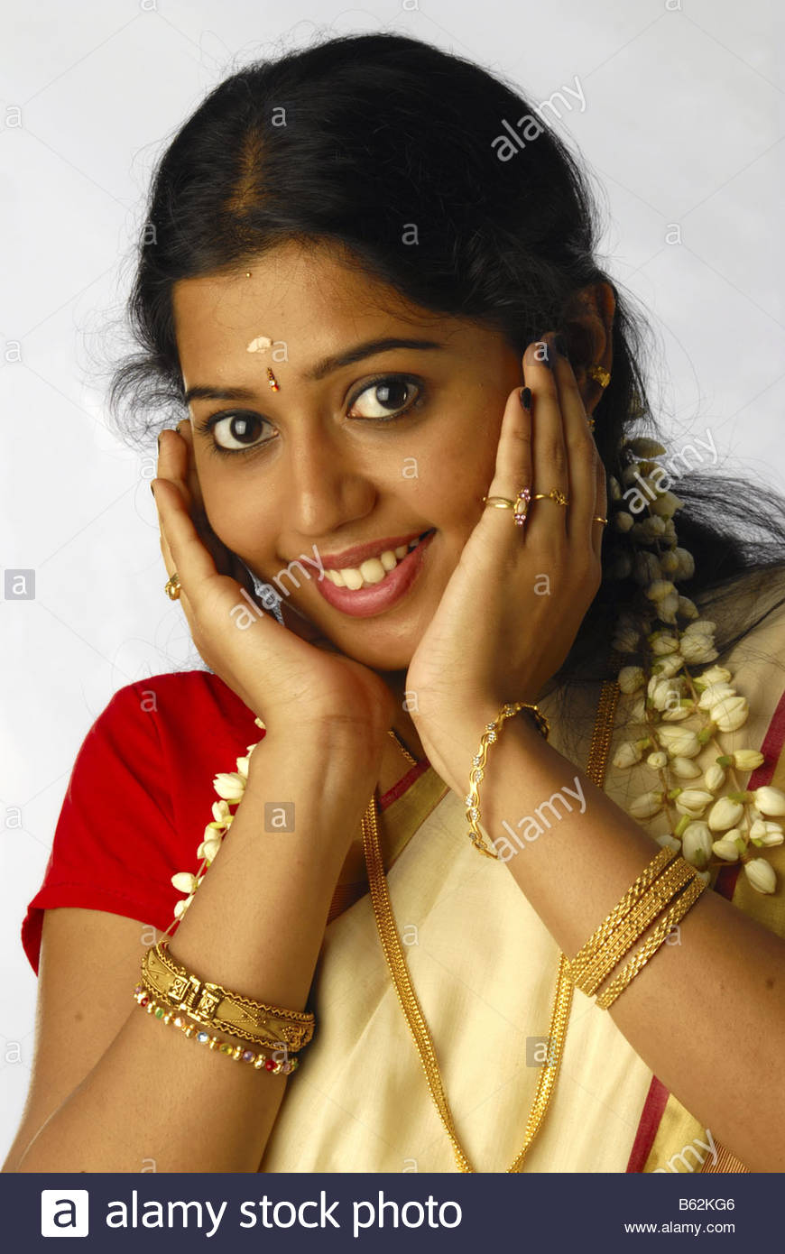 Etonnant A MODEL FROM KERALA IN TRADITIONAL ATTIRE DURING ONAM Stock ...