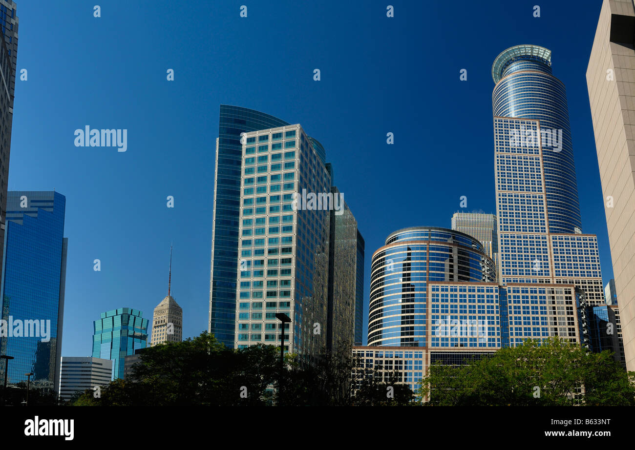 Ameriprise Financial Center and 225 South Sixth highrise towers in downtown Minneapolis with clear blue sky - Stock Image