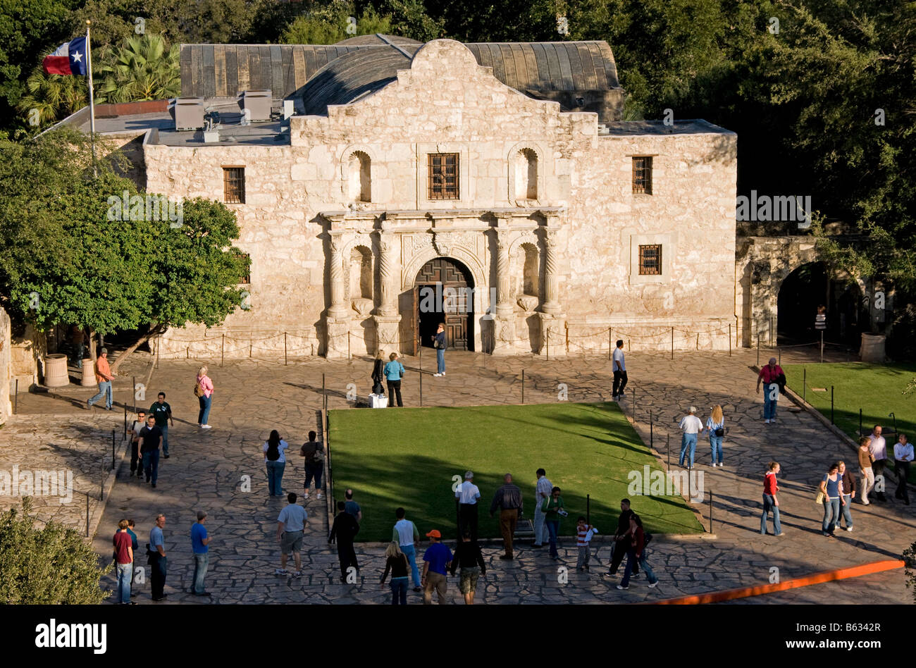 San Antonio Missions, tourists at The Alamo (AKA Mission San Antonio de Valero), State Historic Site - Stock Image