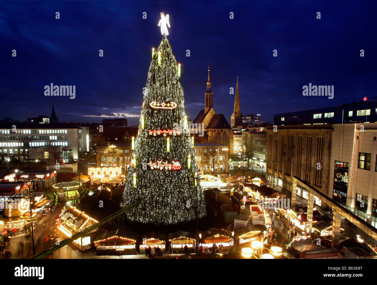 competitive price bd649 dd706 Dortmund/Germany: the world largest Christmas tree Stock ...