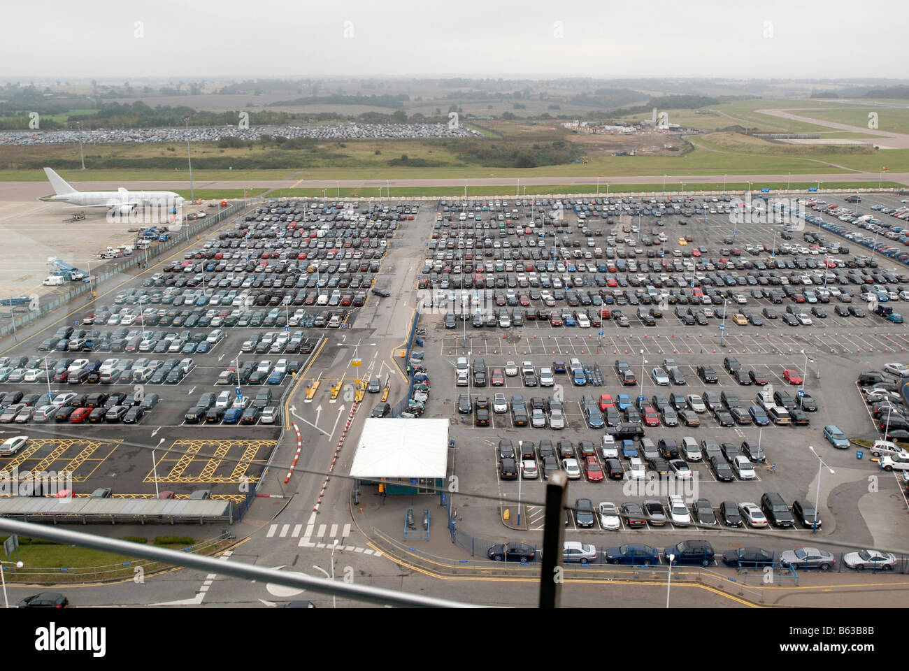 Luton Mid Term Parking >> Short Term Car Park At Luton Airport Stock Photo 20973019