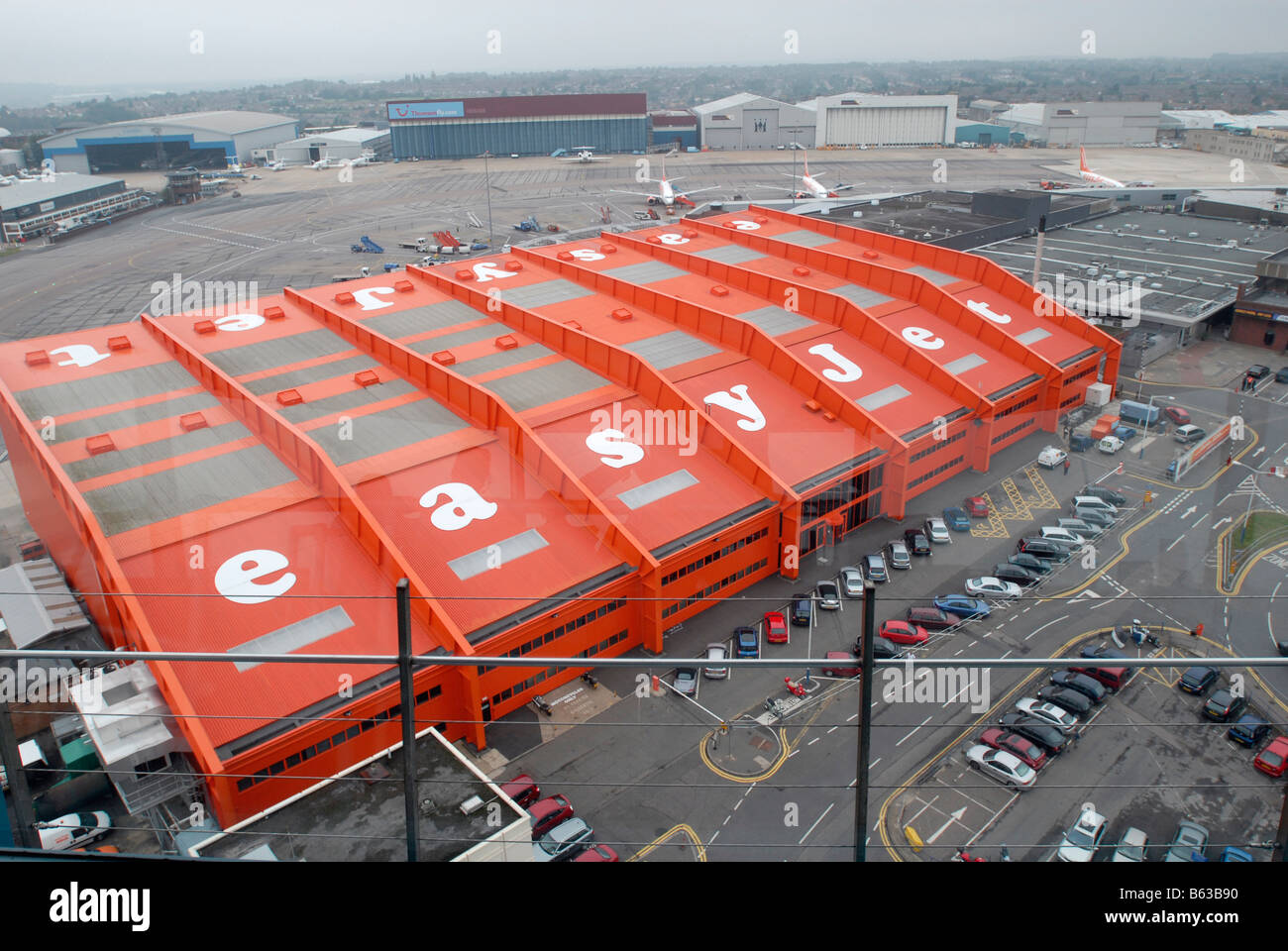 View of easyjet HQ at Luton Airport - Stock Image